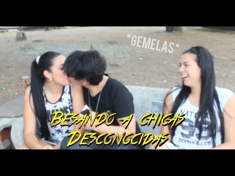 BESANDO A MUJERES DESCONOCIDAS EN LA CALLE//KISSING PRANK//SIENDOKAM