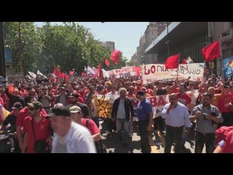 Dilma Rousseff asiste a marcha sindical del PIT-CNT en Montevideo