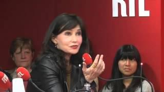 Evelyne Bouix : Les rumeurs du net du 06/03/2013 dans A La Bonne Heure - RTL - RTL