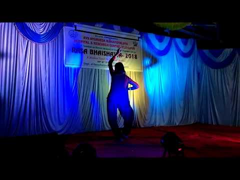 Dance performance in cultural program by Aishwarya in Nation level seminor at bldea's avs Amv