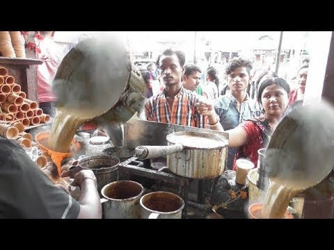 Busy Tea Stall in Kolkata Market | Popular Street Drink in India |Street Food 2017|Roadside Tea Shop