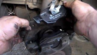 Замена передних тормозных колодок Fiat Doblo 223,несколько советов и хитростей этой операции.