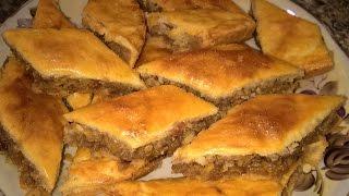 Печенье с орехами и изюмом. Печенье с начинкой рецепт. Пирог с начинкой из грецких орехов.