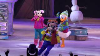 ディズニーオンアイスはアナ雪の世界が舞台でした。 ミッキー、ミニー、...