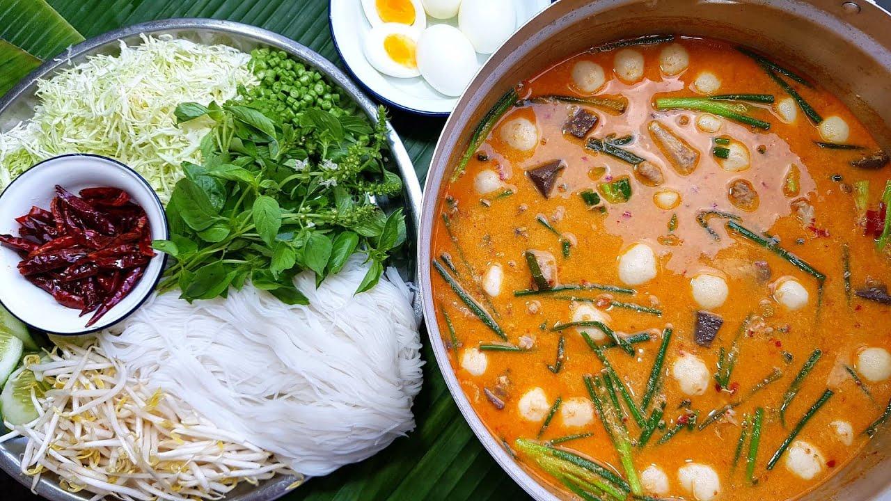 กับข้าวกับปลาโอ 859 ข้าวปุ้นน้ำยาไก่  เข้มข้น ถึงเครื่อง ตีนเยอะๆ Noodle rice and chicken curry