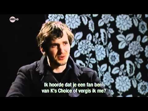 Kazakkendraaiers, Belgian comedian Lieven Scheire interviews Skunk Anansie