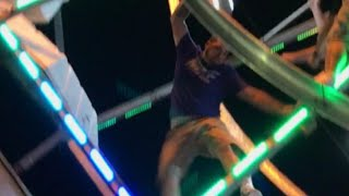 Man Climbs Ferris Wheel to Save Kids Trapped on Ride