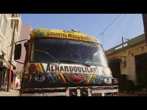 """INTÉGRALE """"Ça Roule"""" : Les cars rapides de Dakar"""