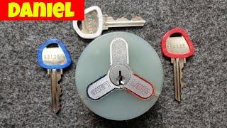 "(1094) Daniel's ""Version 2"" Triple Lock"