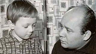 Как Евгения Леонова вызвали в школу из-за шалостей сына и что из этого получилось.