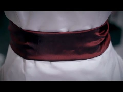What Color Goes With My Burgundy White Wedding Dress Wedding Style Advice Youtube