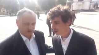 """Reporterul """"special"""", Sergiu Voloc, la discuție cu Igor Dodon"""
