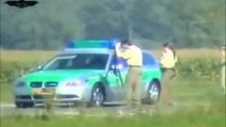motorrad mit 300 kmh rast an der polizei vobei High Quality