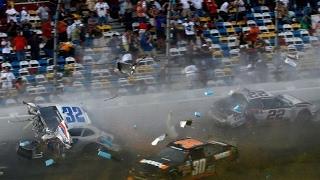 Страшные аварии в гонках машины в тотал