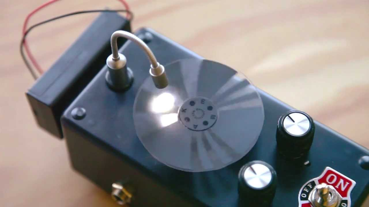 Weekend Projects - Optical Tremolo Box - YouTube