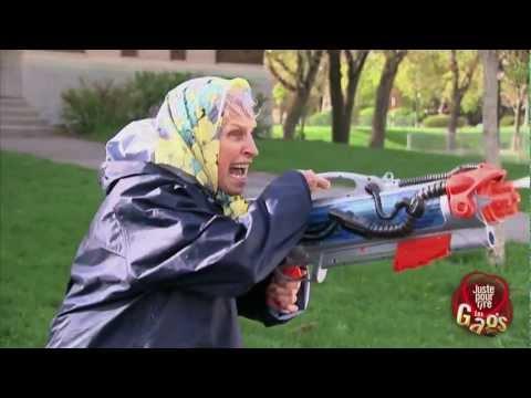 Juste pour rire - Méga attaque au fusil à l'eau