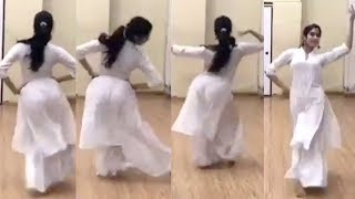 Jhanvi Kapoor Dance Rehearsal For Upcoming Movie Takht