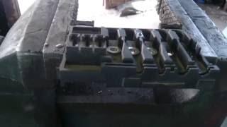 Заміна бушониера при акумулятора Гольф 4