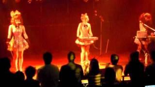 """2010年4月14日 【EARTHBOUND 10】@clubasia ライブの様子です。""""The Ca..."""