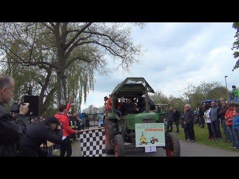 Pilgern mit Traktoren