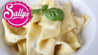 Käsesahnesoße für Nudeln und Nudelgerichte / 4 Zutaten / schnelles Hauptgericht