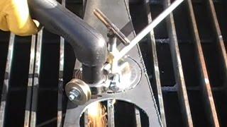 Циркуль для плазмореза / Circle Cutting Guide For Plasma Cutter(Самодельный циркуль для плазмореза из подручного материала. DIY Adjustable Plasma Circle Cutter., 2015-08-25T19:19:39.000Z)