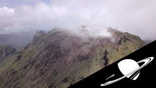🚀 Dans le cratère d'un volcan...