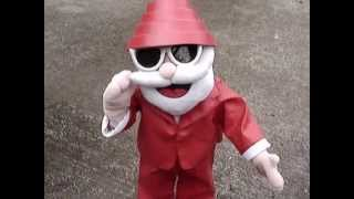 "DEVO: Robot Dancing Santa Sings ""Wrap It"" - Bizarre! (2006)"