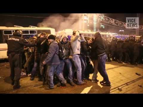 Донецк.13 марта,2014.Civilians Clash Over Crimea Referendum Russian Roulette in Ukraine Dispatch 8