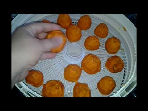 Drying Whole Persimmons