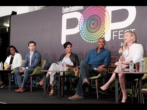 The Grey's Anatomy cast playing 'Three Rounds' at EW PopFest 2016