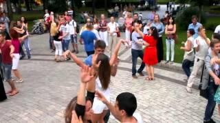 БЕСПЛАТНЫЕ УРОКИ ЛАТИНЫ в парке Шевченко, Киев :CasaDeRitmo salsa school, Kiev
