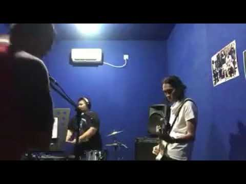 Five minutes - Aisyah 2 (cover T-obenk Band) Latihan di Pesona Studio