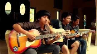 Dewa 19 - Sedang ingin bercinta ( Guitar acoustic cover by The Exentrik )