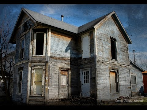 Abandoned house in Newcomerstown Ohio