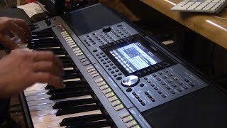 Playing the Yamaha PSR-S970