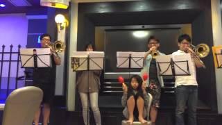 夜間吹奏楽部の練習風景です。初見大会ということで、初めての合奏です。