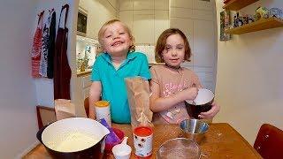 Family baking VLOG