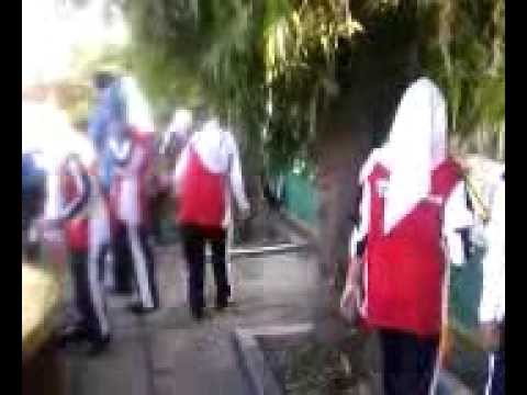 SMK TS Kudus students involved in the city cleaning programme