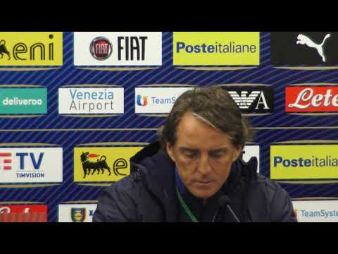 Power blackouts during Roberto Mancini press conference