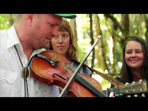 Foghorn Stringband - Be Kind to a Man While He's...