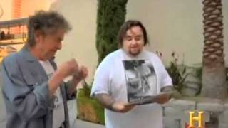 Bob Dylan Bumps into Chumley on Pawn Stars!