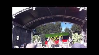 Pelle Miljoona United feat. Tumppi Varonen - Tahdon rakastella sinua live 2011
