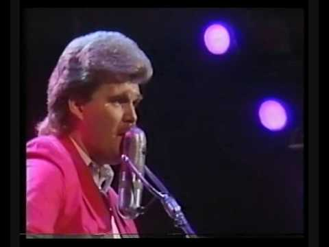 Ricky Skaggs ~ You Make Me Feel Like A Man (Live In London)