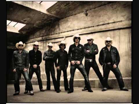 The BossHoss ~ Gay Bar (Low Voltage Version)