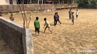 Street boy playing football ⚽️ in Bangladesh 🇧🇩