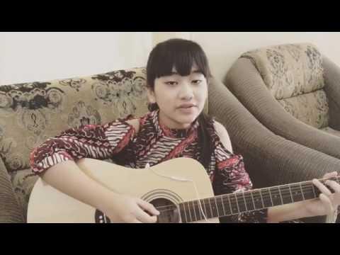 Aura amalia irza cover lagu Despacito suara keren abis