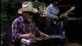 Waylon Jennings - I May Be Used - 2x Live 1984