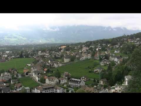 アキーラさん堪能①リヒテンシュタイン・リヒテンシュタイン城からの絶景・View,Vaduz,Liechtenstein-castle,