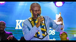 UNCLE ATO TAKES WORSHIP TO ANOTHER LEVEL AT KUMASI WORSHIPS | Gospel Link Tv